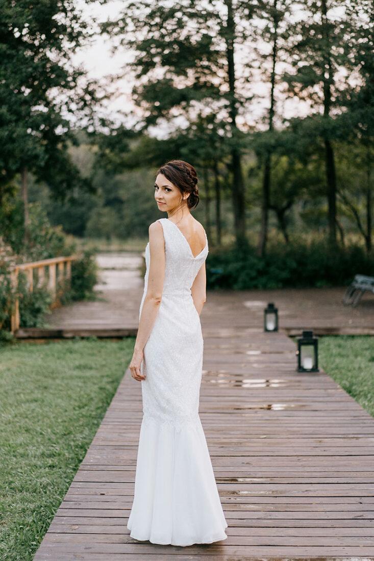 suknia z tylu na molo
