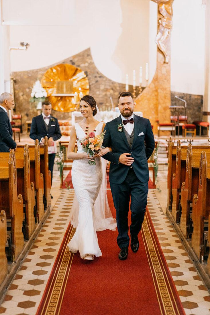 suknia w kościele