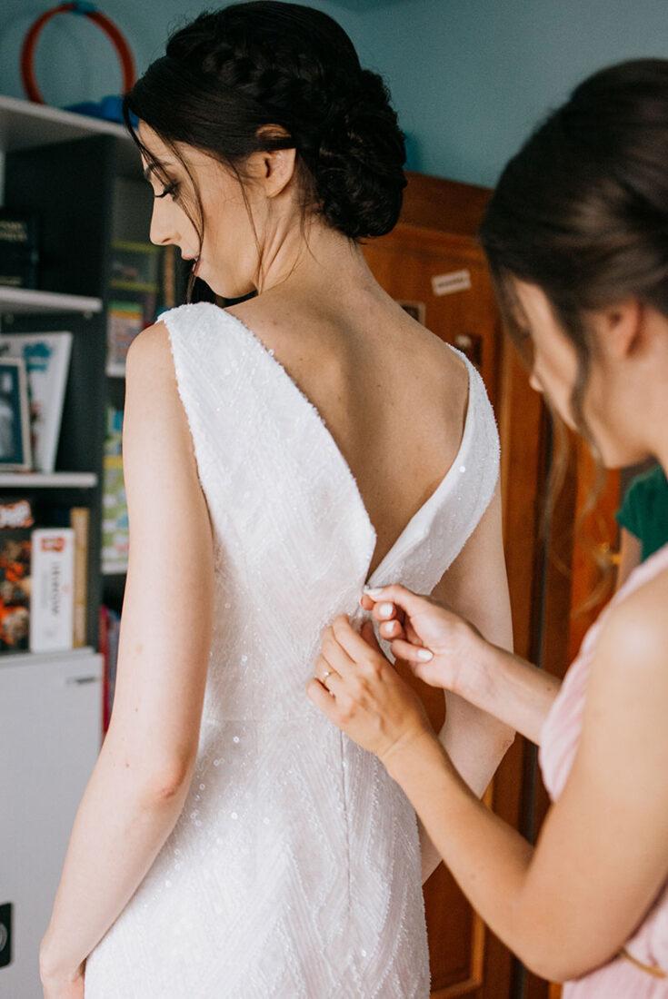 rozpinanie sukni
